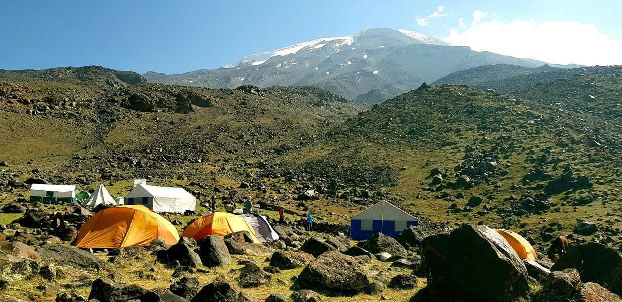 אררט ממחנה הבסיס