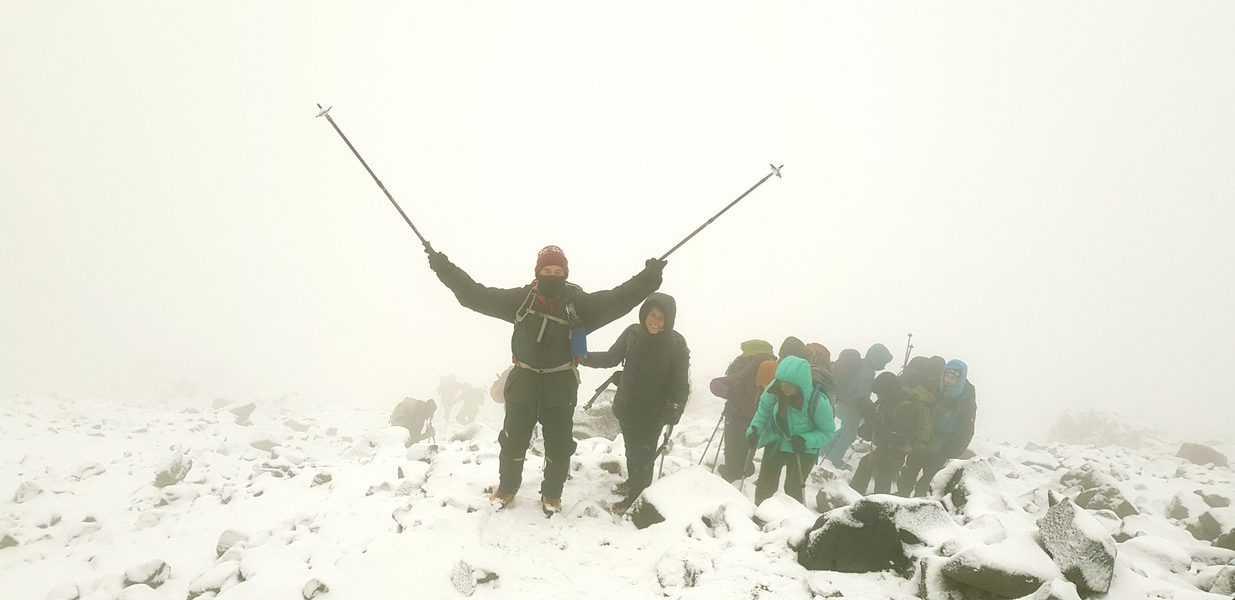 רגעים של נחת קרוב לפסגה