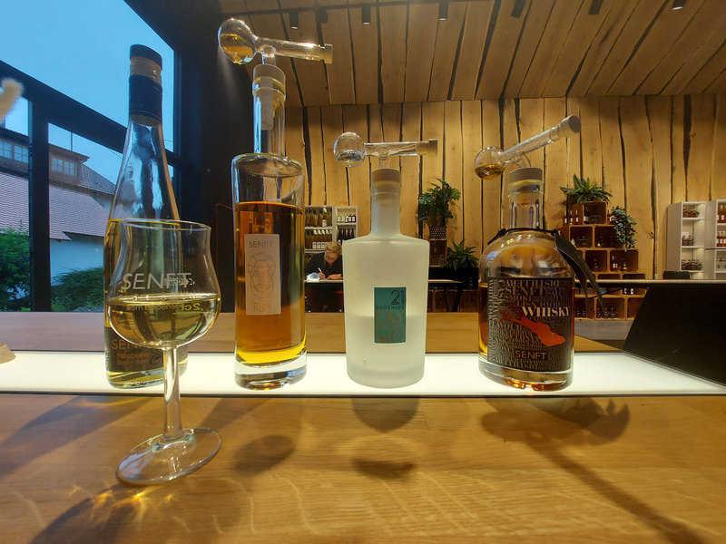 סוגים שונים של משקאות אלכוהולים שמיוצרים במזקקת שאנפט